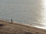 Labrags. Cicha plaża pod wysokim klifem