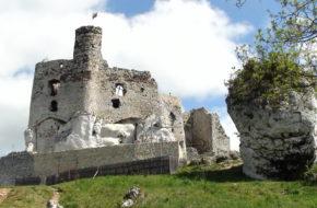 Mirów Ruiny zamku na Szlaku Orlich Gniazd