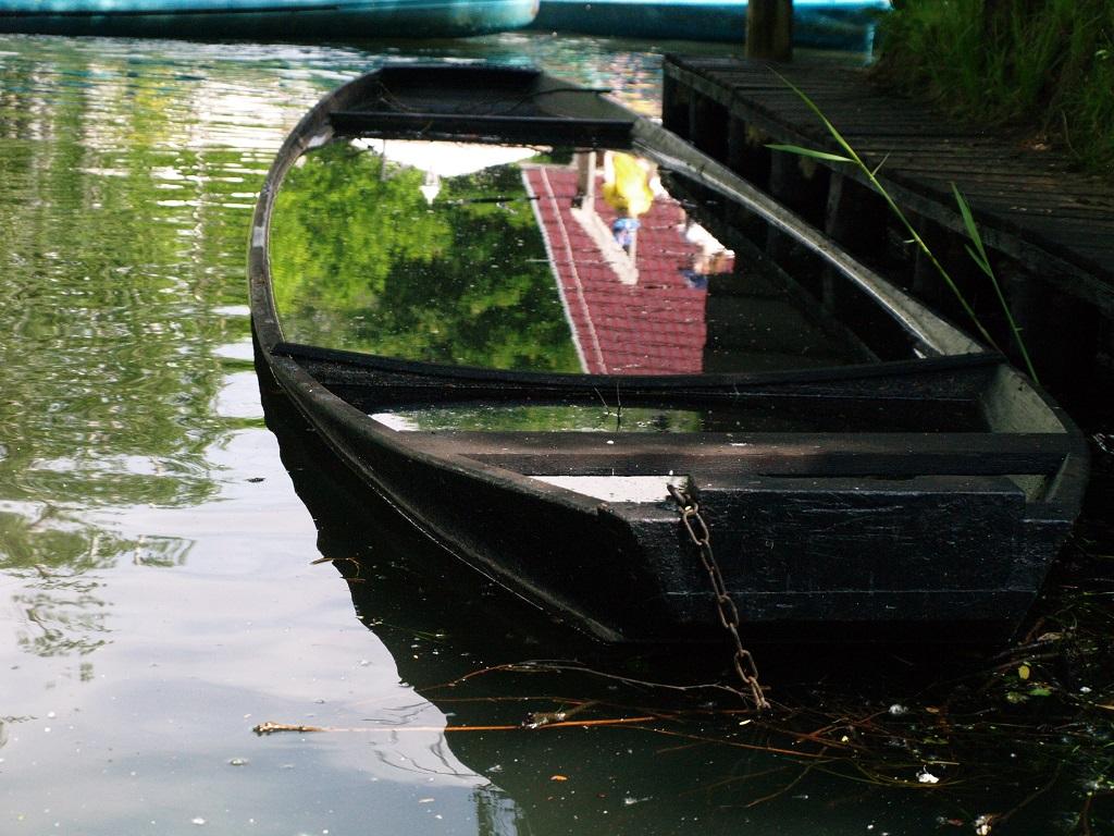 Szprewald. Po kanałach w płaskodennych łodziach