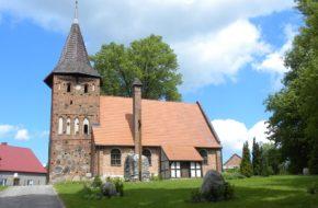 Sucha Koszalińska Urokliwy kościółek z kamienia i cegły