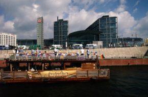 Berlin Spojrzenie na miasto od strony wody