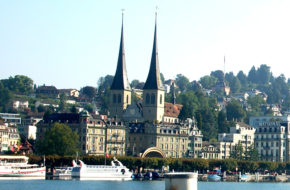 Lucerna Hofkirche, czyli sakralna perła miasta