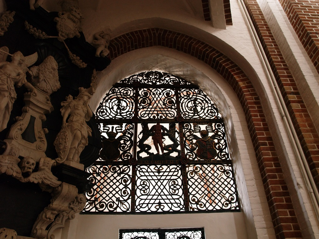 Roskilde. Królewskie kaplice grobowe w katedrze