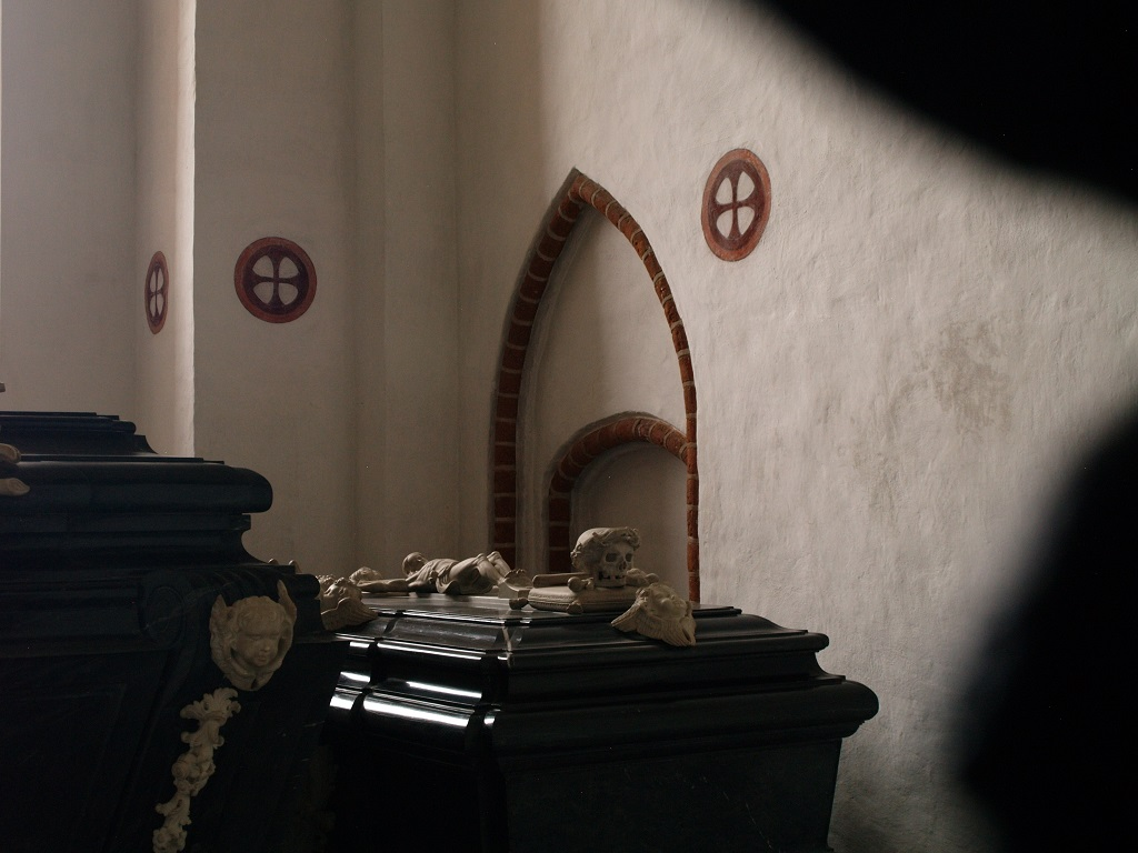 Roskilde. Królewskie sarkofagi w katedrze