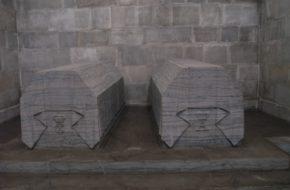 Roskilde Królewskie kaplice grobowe w katedrze