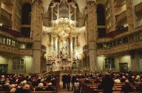 Drezno Pomnik Lutra stoi przed Frauenkirche