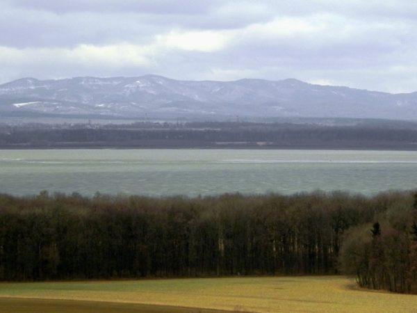 Jezioro Otmuchowskie. Zbiornik z najdłuższą ziemną zaporą