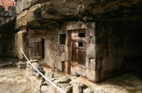Brhlovce Domy mieszkalne wykute w skale