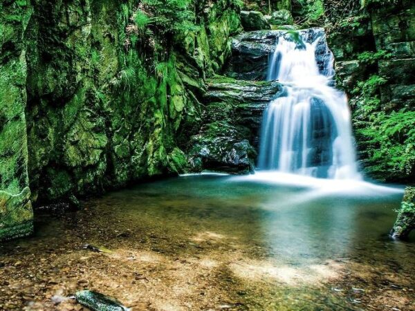 Rešov. Reszowskie wodospady na Huntawie