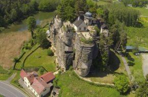 Sloup Zamek na skale i pustelnia