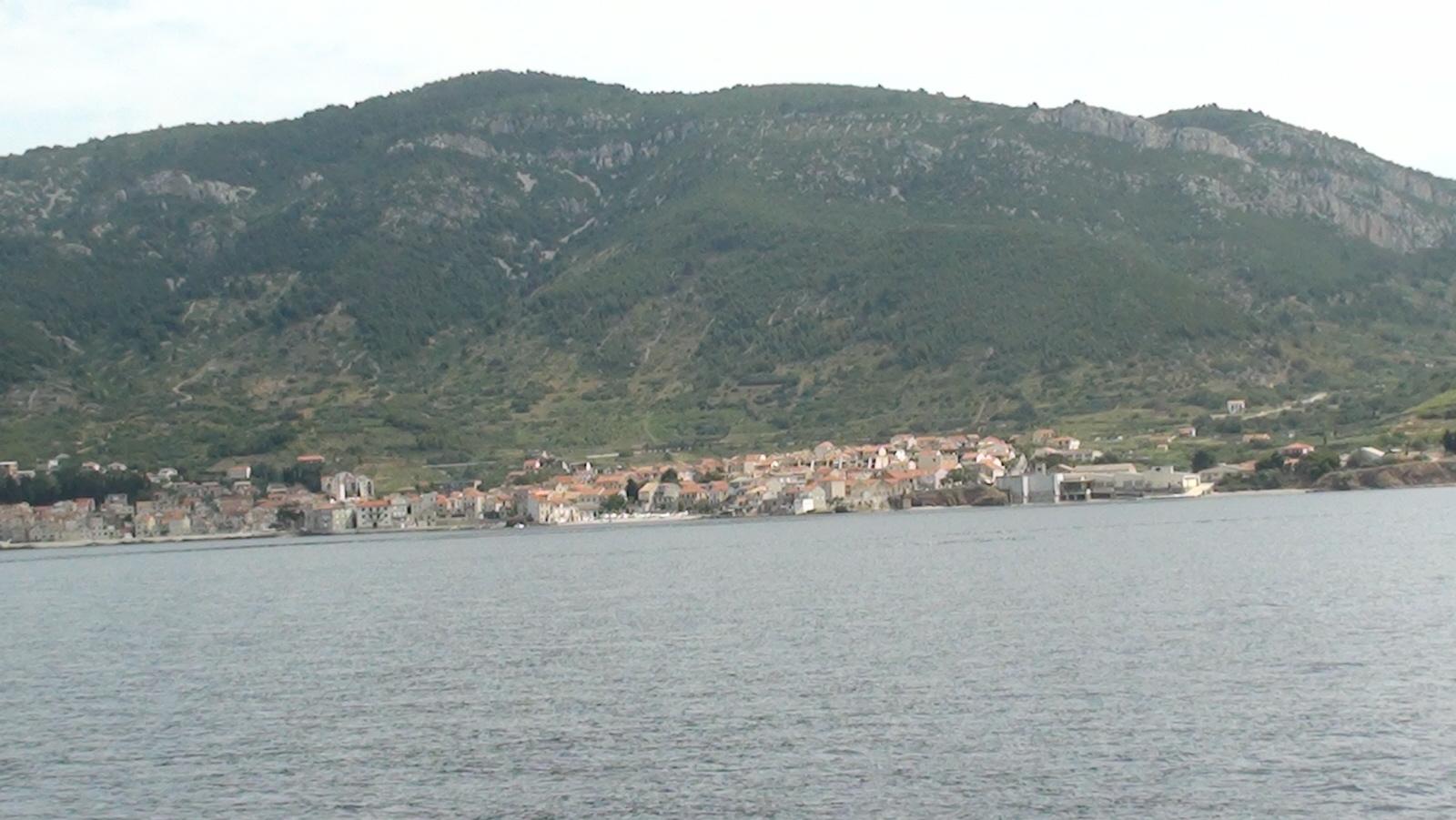 Vis. Malutka wysepka w Dalmacji