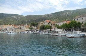Vis Malutka wysepka w Dalmacji
