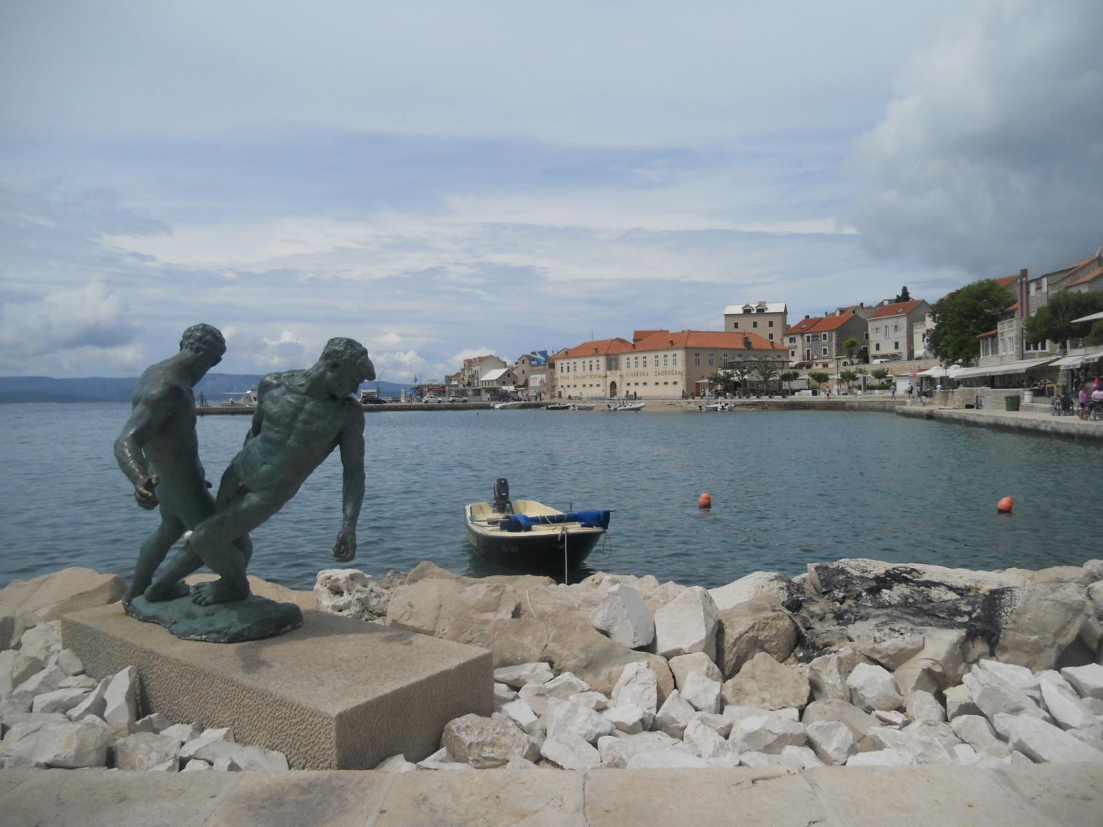 Bol. Najstarsze miasto na wyspie Brač
