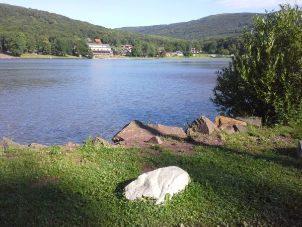 Vinianske Jazero. Małe jeziorko w górach Wyhorlat