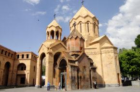 Erywań Katogike ? ocalona świątynia