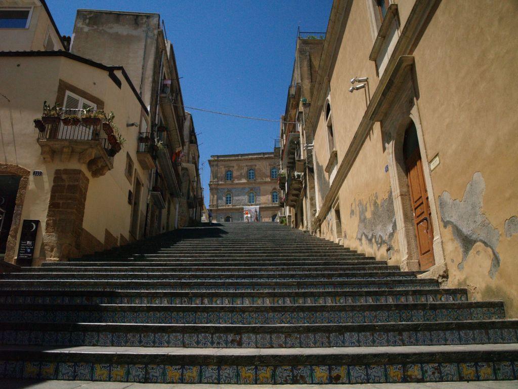 Caltagirone. Sycylijskie miasto baroku i ceramiki