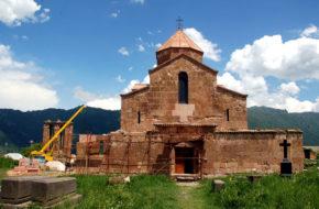 Odzun Ormiański klasztor z poczerniałą Madonną