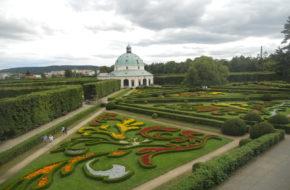 Kromierzyż Ogrody kwiatowe wokół pałacu biskupów