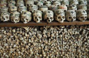 Hallstatt Kwiaty na czaszkach, jak na nagrobkach…