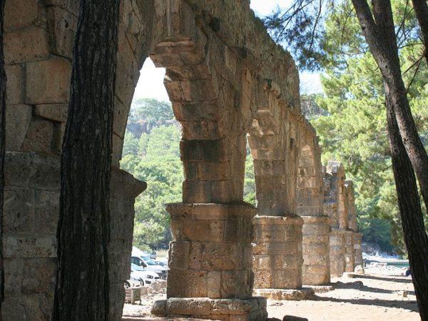 Phaselis. Greckie ruiny między zatokami