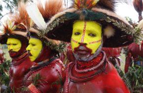 Papua Nowa Gwinea Radosne tańce w dzień niepodległości