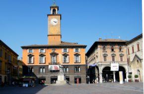Reggio Emilia Stąd włoska flaga i polski hymn