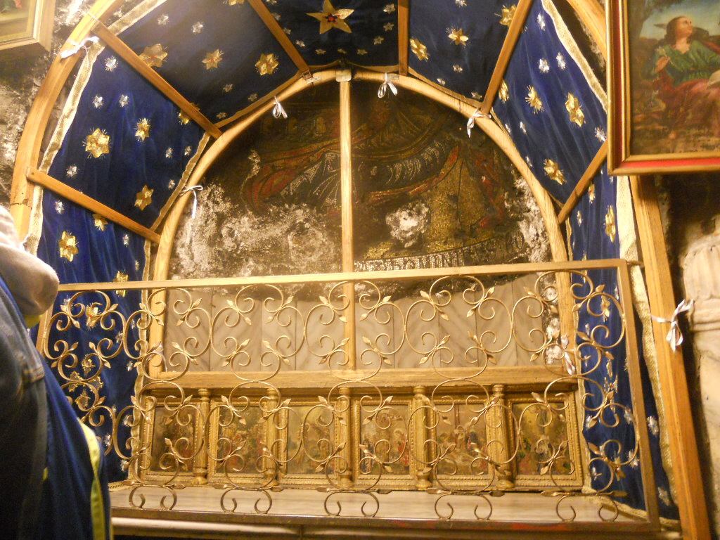 Betlejem. Grota Narodzenia pełna pielgrzymów