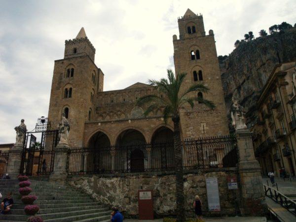 Cefal?. Katedra arabsko-normańska