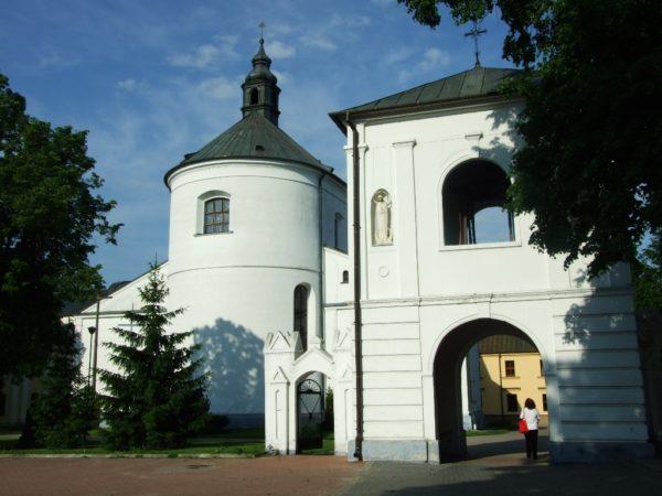 Drohiczyn. Katedra, korona i plener nad Bugiem