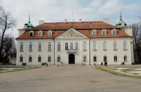 Nieborów Barokowy pałac co oparł się burzom