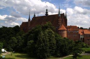 Warmia i Mazury Od plemion pruskich po króla w Prusiech