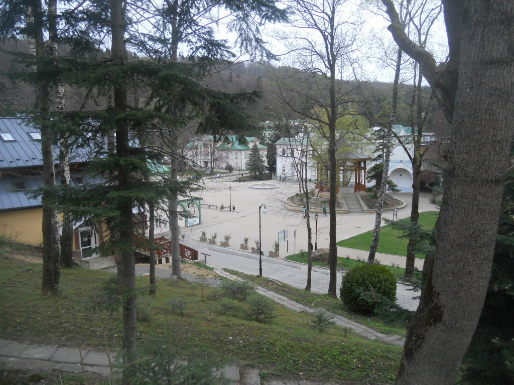 Iwonicz-Zdrój. Przez park zdrojowy do źródła Bełkotka