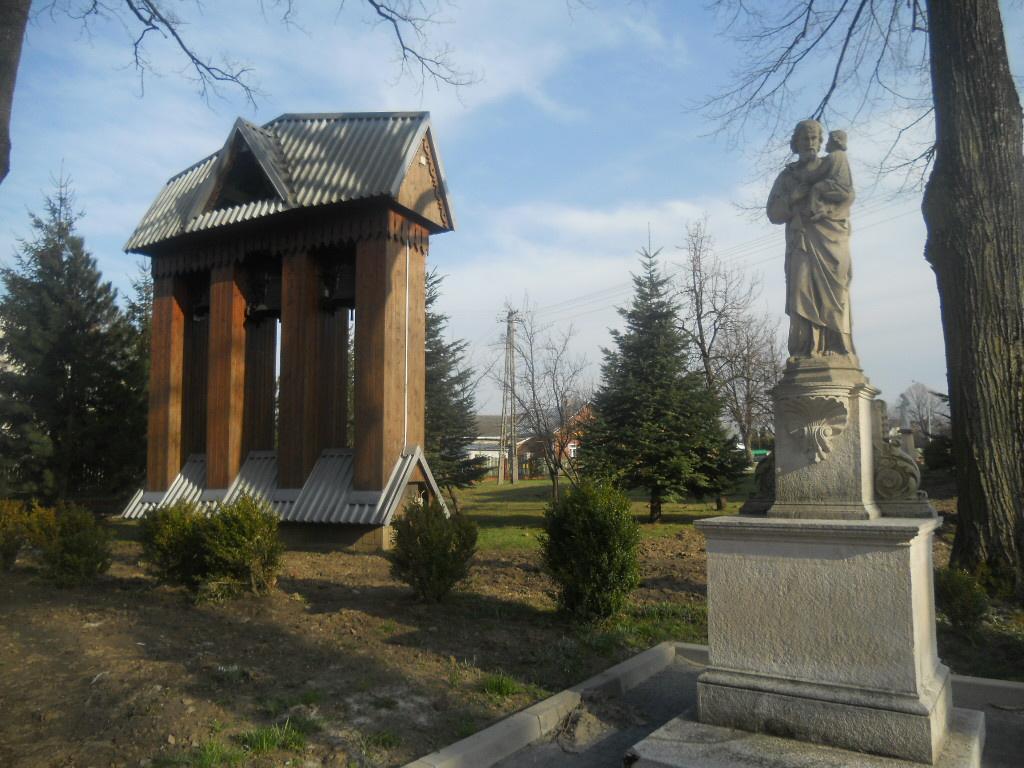 Iwonicz. Drewniany kościół ma pięćset lat