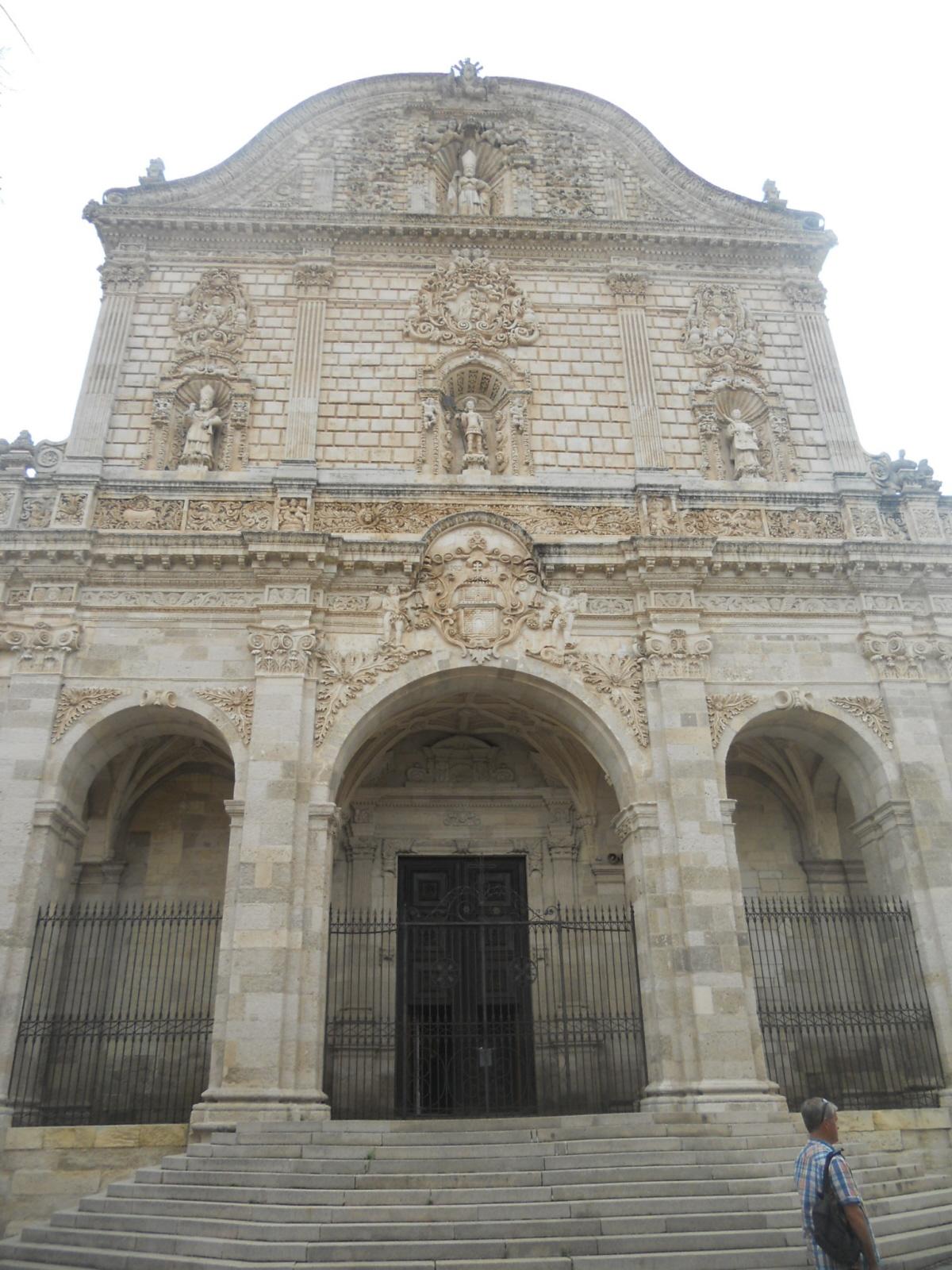 Sassari. Do katedry, wokół placów i pałaców…