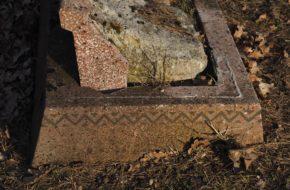 Ryjewo Trzy cmentarze w środku wsi