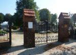 Koźmin Wielkopolski. Drewniany kościół i trzy cmentarze