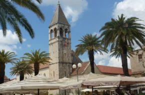 Trogir Port pełen wiekowych zabytków