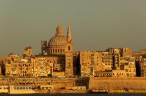 Malta Pod skrzydła Wielkiej Brytanii