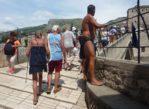 Mostar. Chłopcy znów skaczą z mostu…