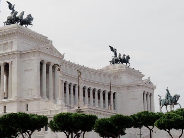 Rzym. Ku miastu wszystkich Włochów