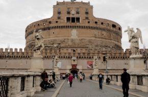 Rzym Łącznik dwóch włoskich światów