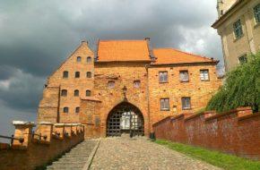 Grudziądz Brama Wodna i miejskie mury