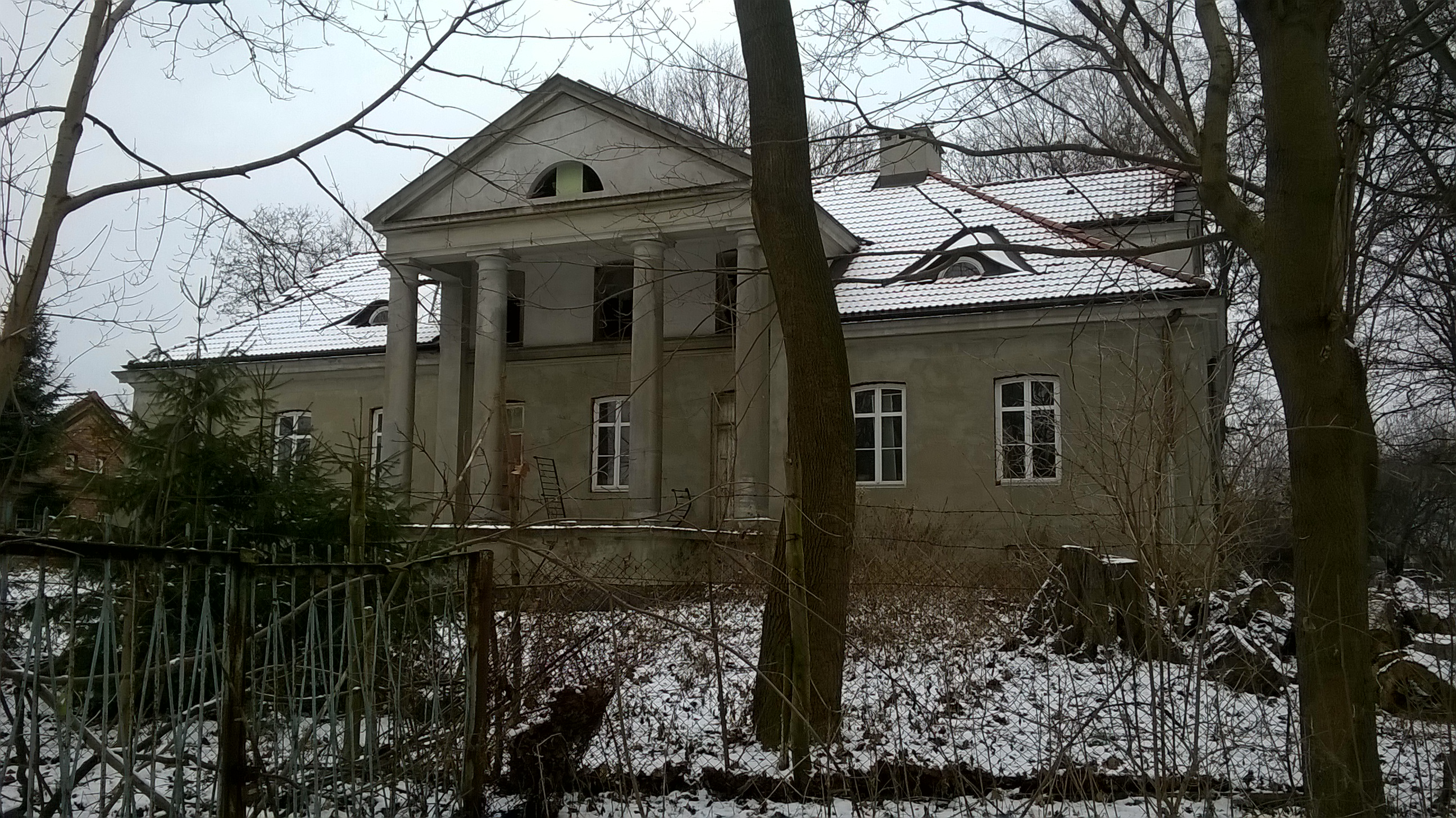 Warszawa. Wyczółki, czyli ruina nad stawem