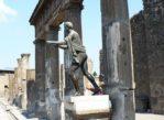 Pompeje. Starożytności wydobyte z popiołów