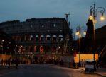 Rzym. Wieczorem w Koloseum ożywają cienie