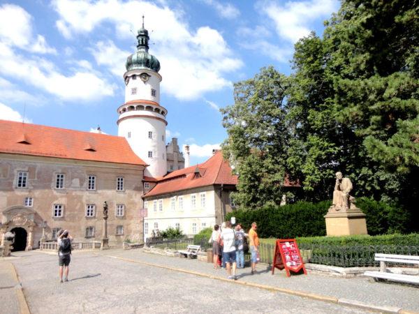 Nowe Miasto nad Metują. Dzieje zamku od uderzenia gromu