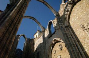 Lizbona Igreja do Carmo, kościół bez dachu