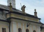 Orawskie Podzamcze. Zgodnie z nazwą: u stóp zamku