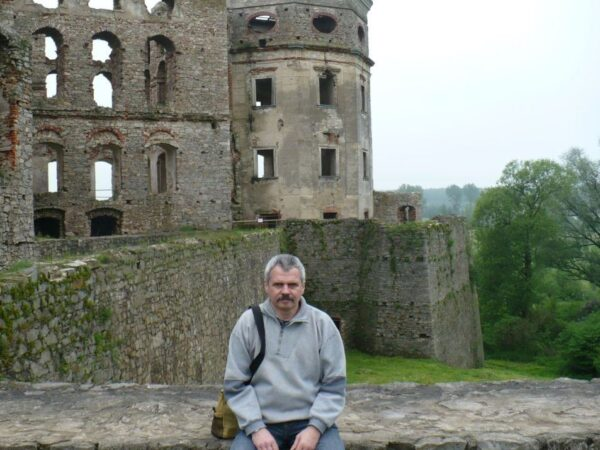 Ujazd Krzyżtopór, ruiny rozległe i ogromne
