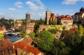 Budziszyn Gotyckie łuki i słowiańskie epitafia